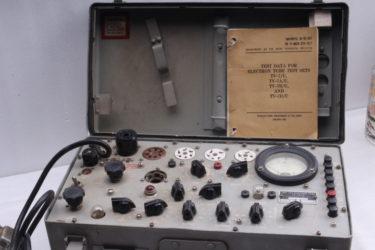 真空管の健康診断に真空管試験機が大活躍 米軍仕様TV-7