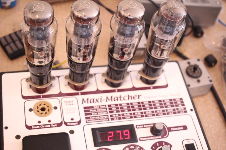 1本目のパワー管のプレート電流測定
